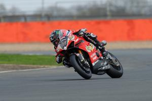 Redding keeps clear of Brookes in warm-up