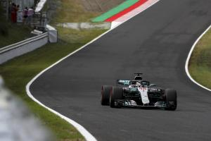Hamilton takes dominant Japan win, Vettel sixth after collision