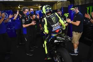 Perpisahan dengan Valentino Rossi dari Pabrik Yamaha: 'Momen yang luar biasa dan emosional'