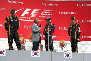 06.10.2013- The Podium, winner Sebastian Vettel (GER) Red Bull Racing RB9, 2nd Kimi Raikkonen (FIN)