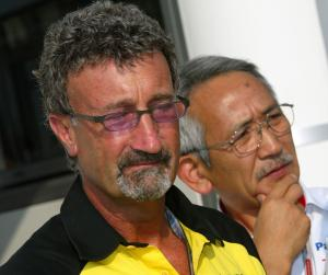 Eddie Jordan and Mr Tomita of Toyota
