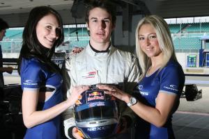 Oliver Oakes (GBR) - Carlin Motorsport Dallara Volkswagen