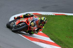 Byrne storms to the front at Brands Hatch Indy
