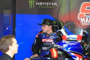 Hickman keeps top spot after Mackenzie lap deleted