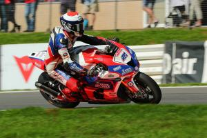 Dixon doubles up at Oulton Park to trim Haslam's BSB title lead