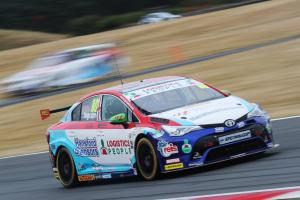 Ingram tops early running at Rockingham