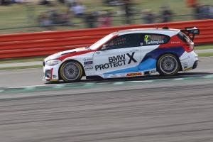 Turkington preserves BTCC lead ahead of finale