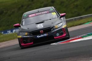 Cook clinches race three win at Thruxton