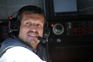"""Haas menjelaskan penyebab kegagalan pit stop ganda yang """"luar biasa"""""""