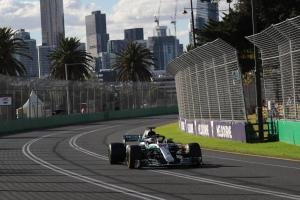 Hamilton in 'disbelief' over Australian GP loss