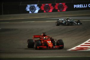 Vettel holds on for dramatic Bahrain F1 victory