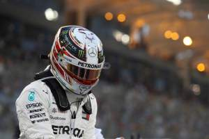 "Hamilton applying ""constructive pressure"" on Mercedes"