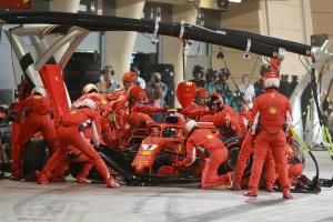 Ferrari fined €50,000 for Bahrain F1 pit lane incident