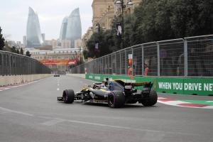 Renault looking to 'consolidate' Baku performance in Spain