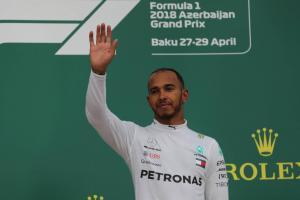 Hamilton delayed Azerbaijan GP celebrations to console Bottas