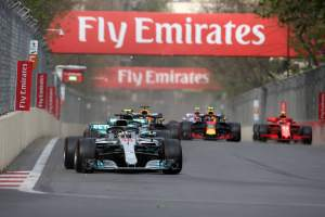 Mercedes expecting three-way F1 battle to 'intensify'