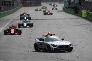 Hamilton questions Vettel's Baku Safety Car restart tactics