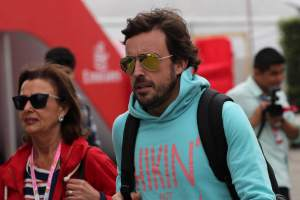 Alonso prefers F1 paddock restrictions to more open WEC