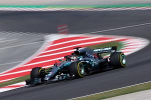 Hamilton: Mercedes sacrificing performance for reliability