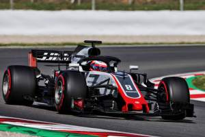 Grosjean leads morning on Day 1 in Barcelona