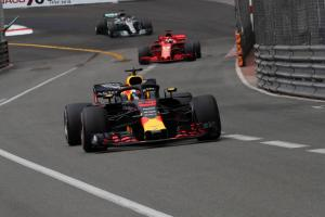 Ricciardo lost 2.5s per lap with F1 engine issue in Monaco GP - Red Bull