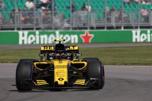 Sainz: Renault has good baseline despite Canada setbacks