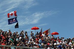 Grand Prix Kanada dipotong pendek oleh kekacauan bendera kotak-kotak