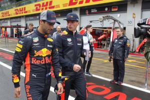 Ricciardo frustrated at 'mind games' with Verstappen