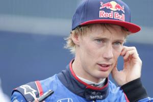 Hartley to start last in Austria after power unit changes