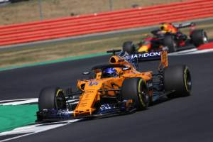 Alonso: Points for all drivers would stop 'miracle' results