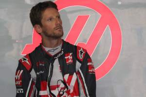 Blue flag blunder leaves Grosjean three points off F1 race ban