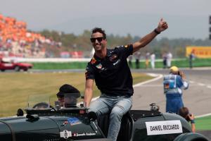Ricciardo suggests radical F1 race weekend overhaul