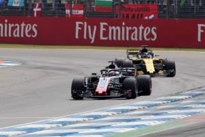 Haas hoping for 'boring races' in bid to beat Renault to fourth