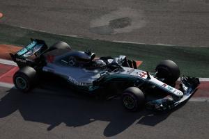 Hamilton wins Russian GP after Mercedes team orders