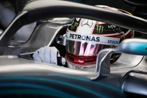 Hamilton one second clear in damp first US GP practice