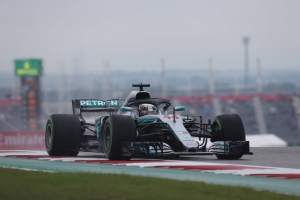 Hamilton leads US GP FP2 as rain limits running