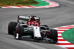 Raikkonen displaces Ferrari on third morning of F1 test