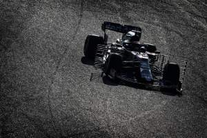 Albon leads final morning of first F1 test