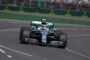 Mercedes explains 'risk versus reward' in fastest lap strategy