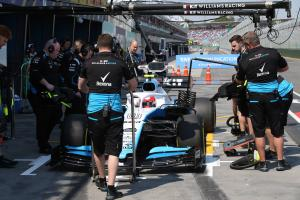 """Kubica admits to """"embarrassing, silly mistake"""" in qualifying"""