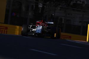 "Raikkonen got ""too close"" to Hamilton on final Q3 lap"