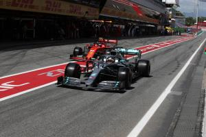 Mercedes discussed appeal of Ferrari move with Hamilton