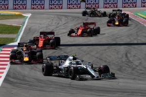 Wolff: Mercedes doesn't fear Ferrari, Red Bull
