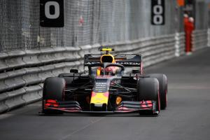 Verstappen explains issue which cost him FP2 running