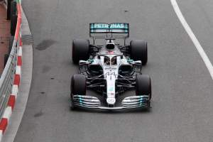 Hamilton fastest as Mercedes pulls clear in Monaco FP2