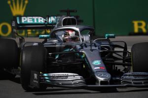 Hamilton left ruing 'innocent mistake' in Canada practice