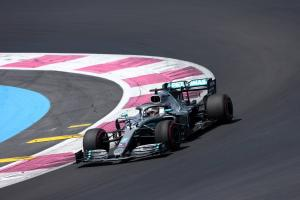 Hamilton charges to French GP pole, Vettel struggles to 7th
