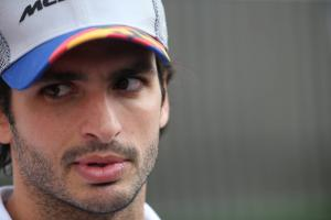 Sainz: McLaren F1 contract stability better than Red Bull model