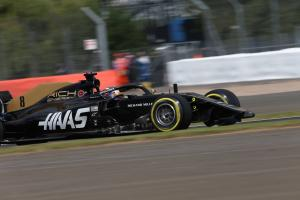 "FP1 pitlane crash ""a bit embarrassing"" - Grosjean"