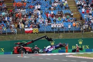 "'Misjudgement' led to ""silly"" FP2 crash - Albon"